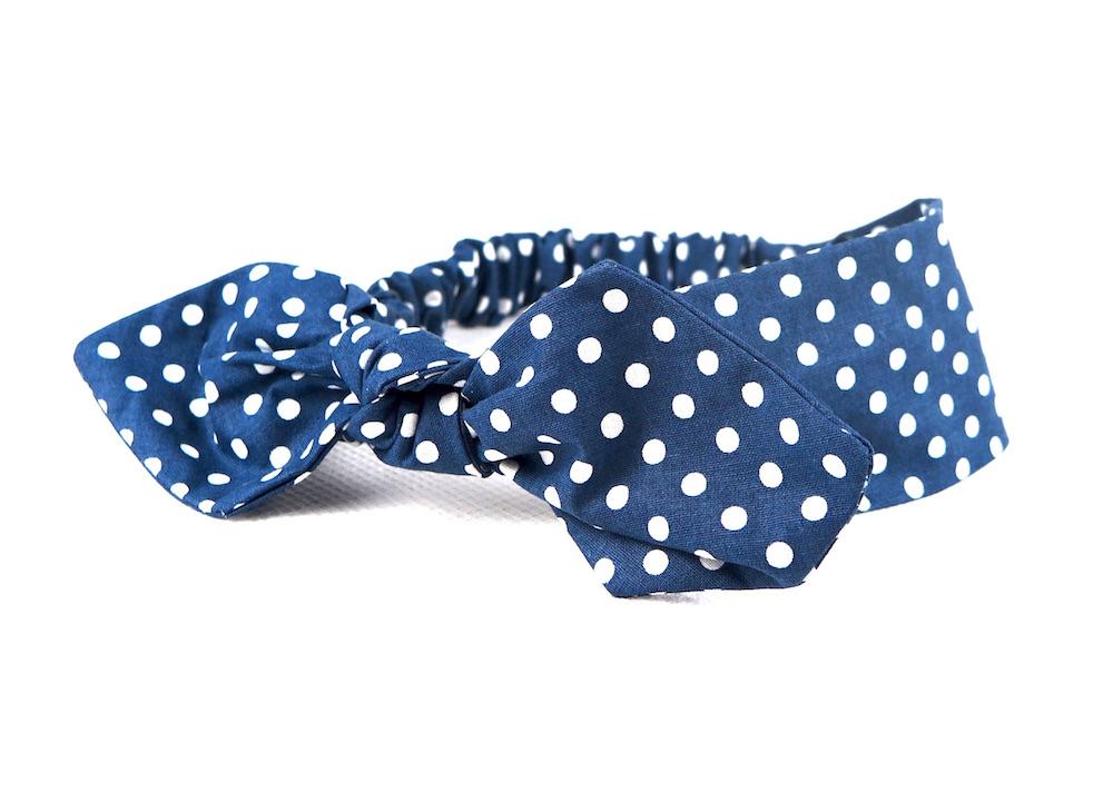 ca50d8a16 Bavlnená čelenka modrá bodkovaná s mašľou na gumičku.