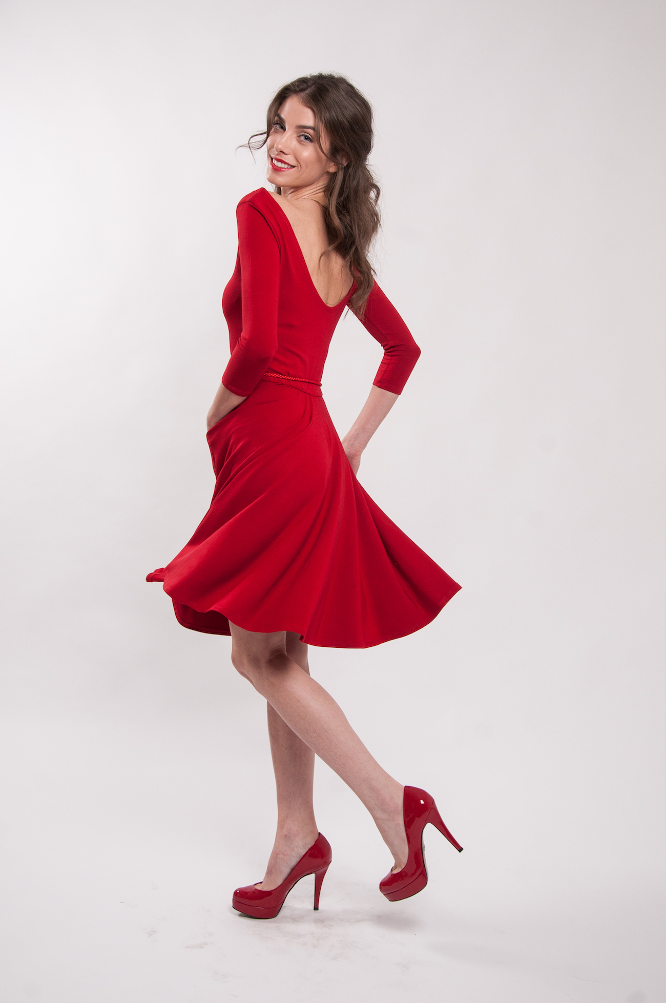 f0a79324af Červené šaty 3 4 rukáv Karkulka