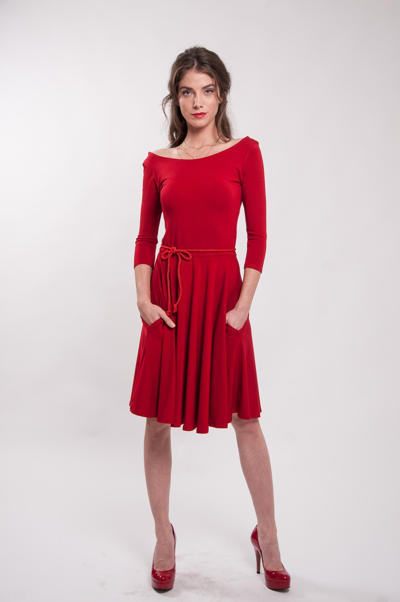 786b3bc03471 Červené šaty 3 4 rukáv Karkulka