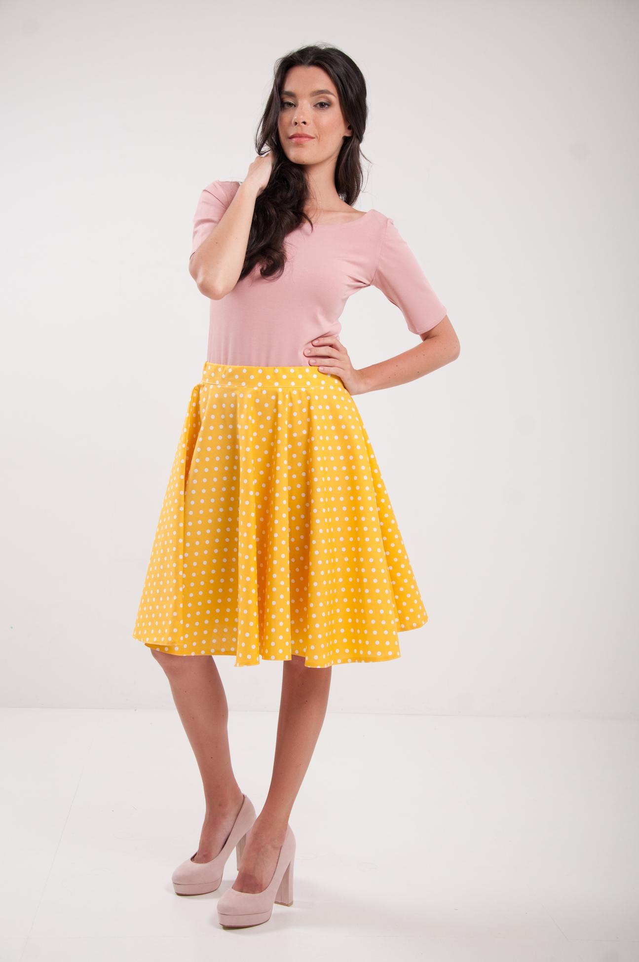 a00a92aa6482 Kruhová bodkovaná sukňa modrá žltá