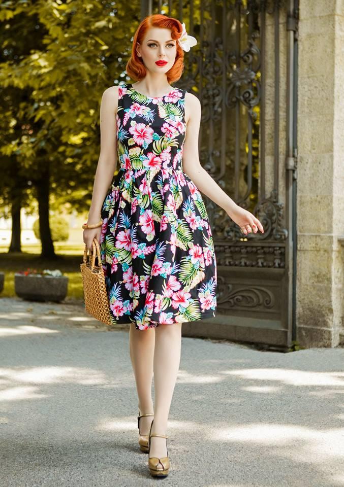 Retro šaty Orchid 00fc82d0ca8
