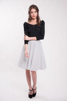 Kruhová bodkovaná sukňa biela
