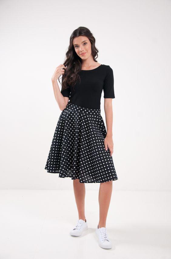 Kruhová bodkovaná sukňa čierna