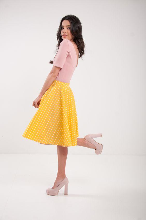 Kruhová bodkovaná sukňa žltá