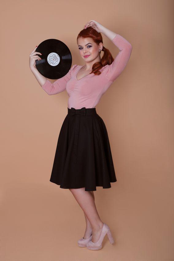 Kruhová čierna sukňa Lovely