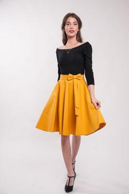 Kruhová okrová sukňa Lovely