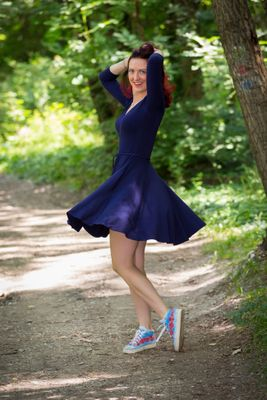 Modré bambusové šaty riasené Ariel