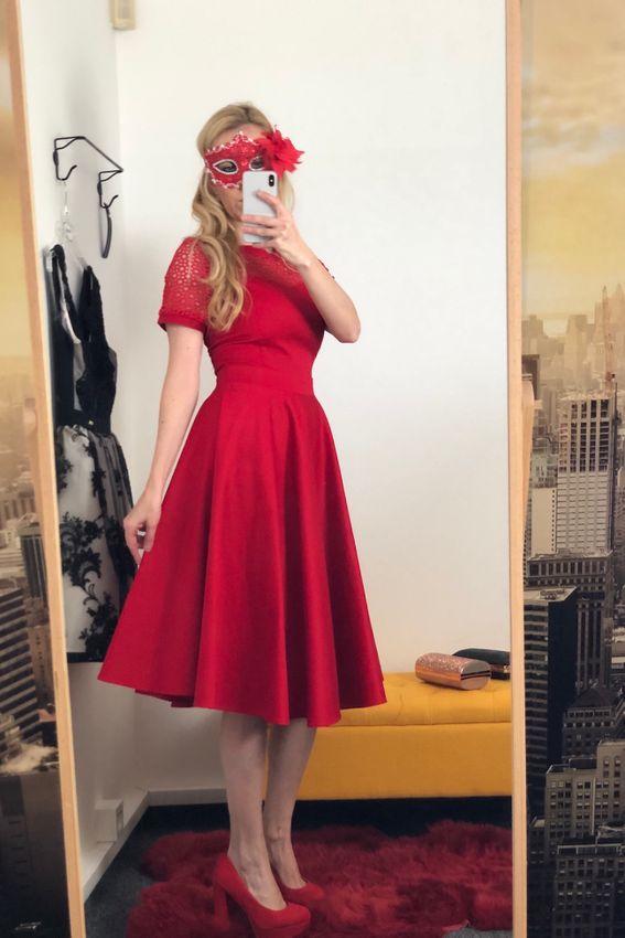 17060206909 Retro červené krajkové šaty Dorry