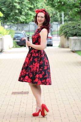 Retro šaty čierno červené Romantic ... 6d8f5b27cb