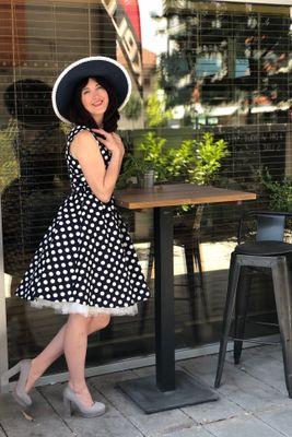 094ae09e2404 Retro šaty tmavo modré bodkované May ...