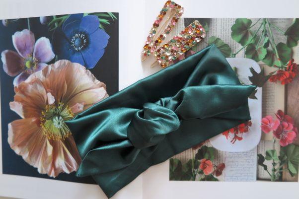 Saténová čelenka zelená