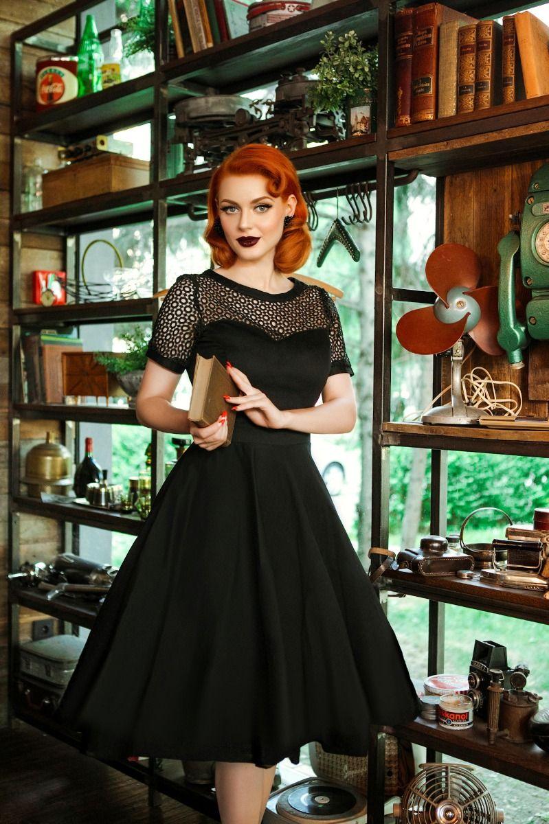 8f0895020fe2 Retro čierne krajkové šaty Dorry