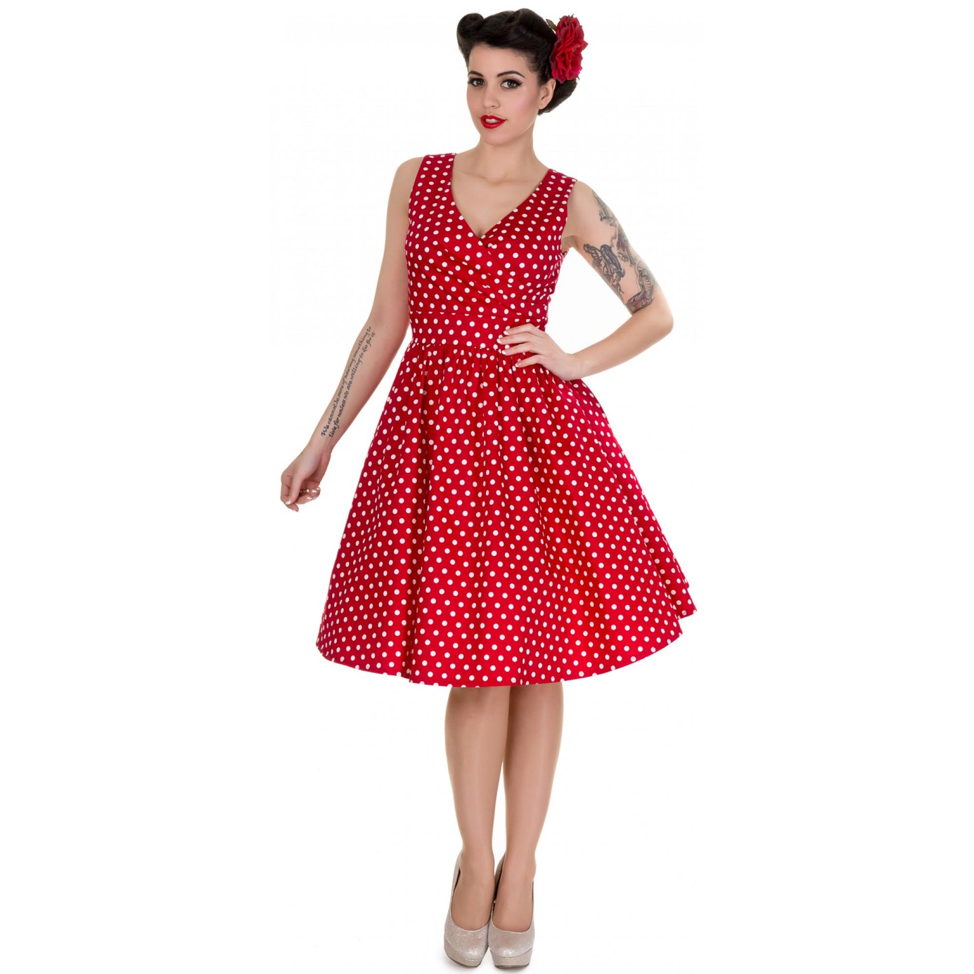 d2c654d3fe01 Štýlové červené retro šaty s bielými bodkami.
